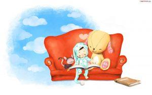 w tle niebo z chmurkami, kanapa czerwona na niej z prawej pluszowy mis i dziecko z pizamce czytajace ksiazke